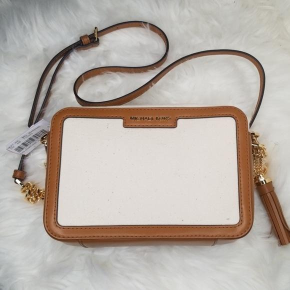 Michael Kors Handbags - NWT MICHAEL KORS MD CAMERA BAG NATURAL ACORN XBODY
